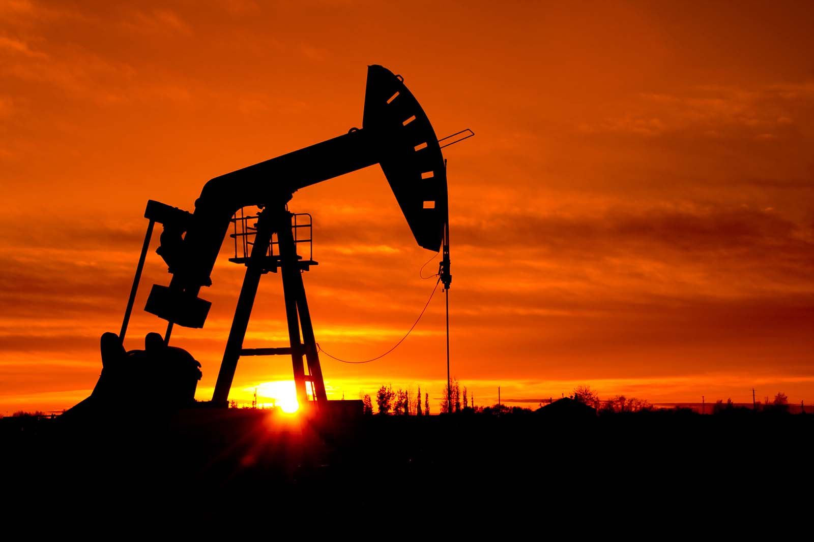 the oil and gas market in 5 oil and gas pricing • there are numerous factors that determine the price of oil and gas 13 financial markets • it has been noticed that the oil markets are increasingly interconnected with other financial markets such as the exchange rate market, stock market and futures market.